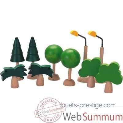 Arbres et lumières en bois - Plan Toys dans Ville nature ...